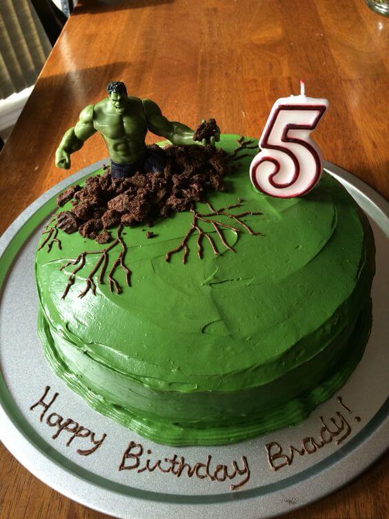 superhero cake - hulk smash cake (1)