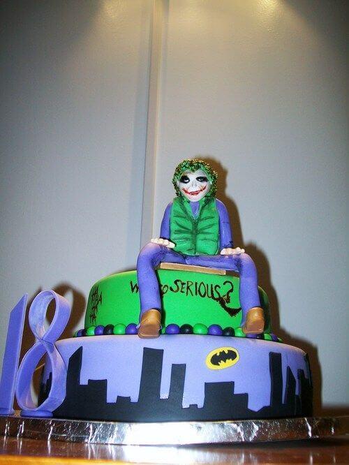 superhero cool cake - the joker (1)